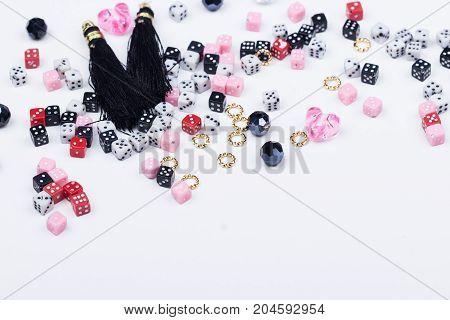 Domino Beads