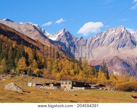 Four Sister Mountain In Rilong Town, Sichuan, Near Jiuzhaigou National Park