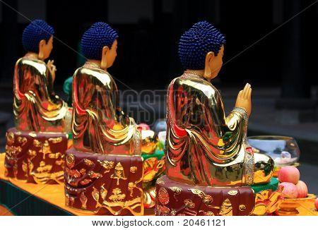 Drei Buddha