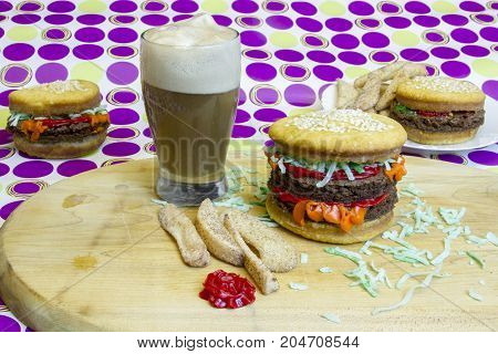 Dessert Imposter Hamburger And Cheeseburgers With Apple Fries And Root Beer Float