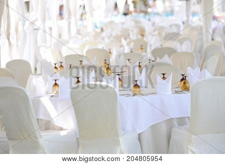 white table and chair for Outdoor Wedding