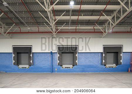 dock leveler in new warehouse construction site