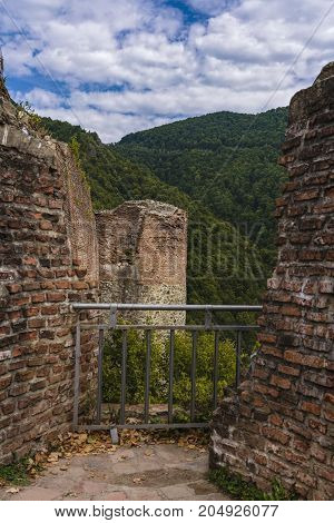 Picture of the Poienari fortress - also called Dracula's Refuge of Capananenii Pamanteni