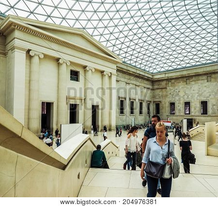Tourists At British Museum In London, Hdr