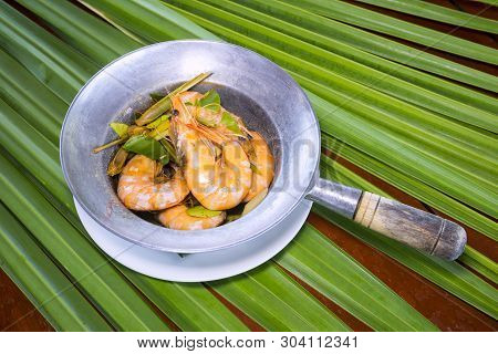 Shrimps In The Zinc Bucket,whole Fresh Cooked Prawns In Shell Unpeeled,on The Leaves.
