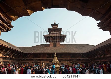 Kathmandu,nepal - 2018 Oct 17 :the Crowd Gathers On Patan Durbar Square For An Interview Of Fashion
