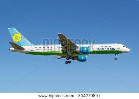 Moscow, Russia - May 19, 2019: Aircraft Boeing 757-231 Uk75704 Of Uzbekistan Airways Landing At Vnuk