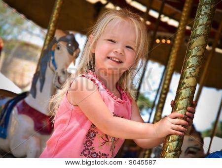 Kind auf dem Karussell