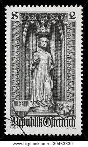 AUSTRIA - CIRCA 1969: A stamp printed in the Austrian, is dedicated to 500th anniversary of Diocese of Vienna, shows the statue of Saint Stephen in St. Stephens Cathedral, Vienna, circa 1969.
