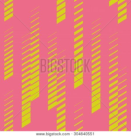 Abstract Geometric Seamless Pattern With Vertical Fading Lines, Tracks, Halftone Stripes. Trendy Vec