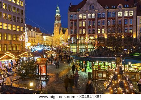 Wroclaw, Poland - Dec 8, 2017: Christmas Market On Market Square (rynek) In Wroclaw, Poland. One Of