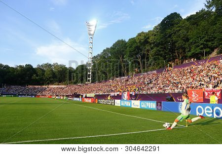 Kyiv, Ukraine - May 24, 2018: Lara Dickenmann Of Vfl Wolfsburg Makes A Corner Kick During The Uefa W