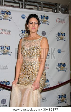 LOS ANGELES - FEB 26:  Estrella Nouri arrives at the