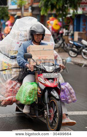 überladene Motorrad
