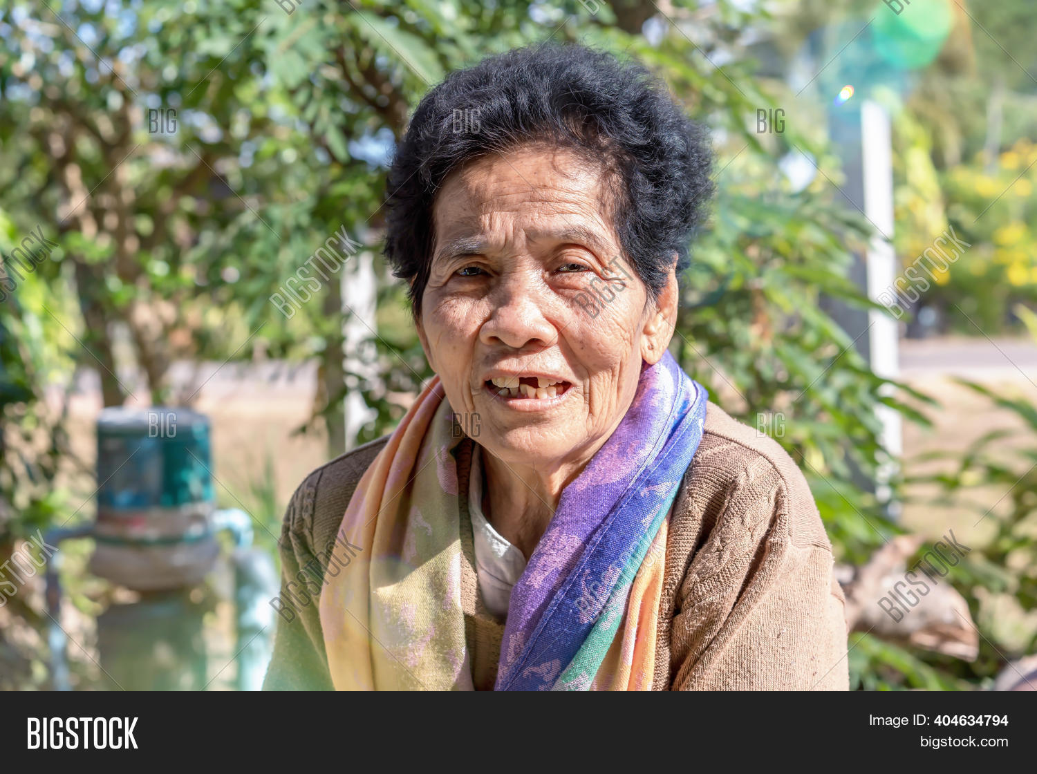 Woman old asian Man who