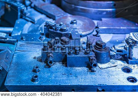 Close Up Assembly Jig Or Die Section Unit Of Bending Machine For Steel Wire Or Strip Plate Forming M