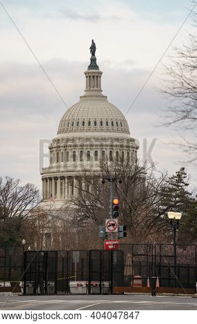 Fences Protecting The Us Capitol Building Washington Dc Usa