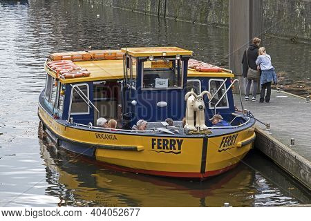 Bristol, Uk - November 12, 2016: A Ferry Boat On The Floating Harbour With The Cartoon Dog Gromit As