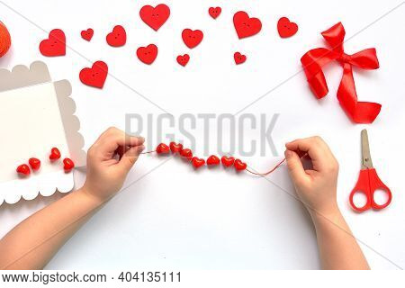 Diy Kids Handles String Red Beads Hearts On A String For Valentine's Day Bracelet. Handmade Baby Dec