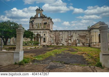Granada, Nicaragua, September 2014: View On Abandoned Catholic Hospital In Granada, Nicaragua