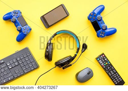 Modern Toys - Gaming Controller, Headphones, Tv Remote Control, Smart Phone And Computer Keyboard An