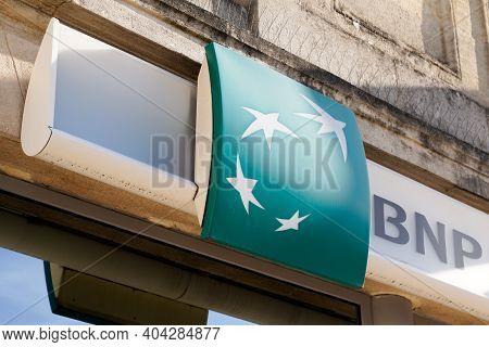 Bordeaux , Aquitaine  France - 01 18 2021 : Bnp Paribas Logo Brand And Sign Of Paris French Multinat