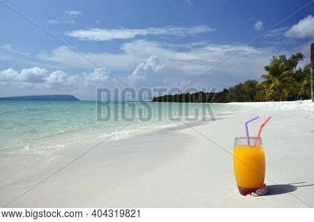 Long Set Beach, Koh Rong Island With Turquoise Water An Sunny Day, Paradise