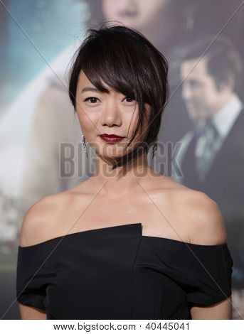 LOS ANGELES - OCT 24:  Doona Bae arriving to