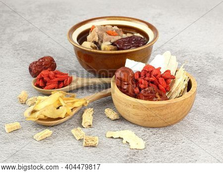 Many Chinese Medicin Herbs ,goji Berry, Dried Jujube, Chinese Yam, Polygonatum