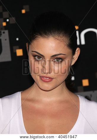 LOS ANGELES - AUG 10:  PHOEBE JANE TONKIN arriving to CW Premiere Party  on August 10, 2011 in Burbank, CA
