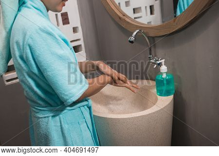 Asian Girls Use Bath Towels Wash Their Hands With Soap Until Foamy