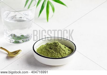 Green Superfood Powder For Making Energy Drink. Wheat Grass, Barley Grass, Chlorella, Spirulina, Mac