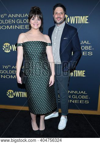 LOS ANGELES - JAN 05:  Actress Casey Wilson and Actor David Caspe arrives for Showtime Golden Globe Nominee Celebration Premiere on January 05, 2019 in West Hollywood, CA