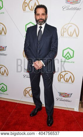LOS ANGELES - JAN 19:  Actor Tony Shaloub arrives for the 30th Annual Producers Guild Awards on January 19, 2019 in Beverly Hills, CA