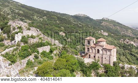 Medieval Fortress Asen , On A Hill In Eastern Europe, Bulgaria. Bulgarian Antique And Heritage Stron