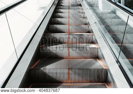 Stairway Electric Escalator Of Exhibition Buildings Hall , Modern Indoor Escalators And Interior Dec