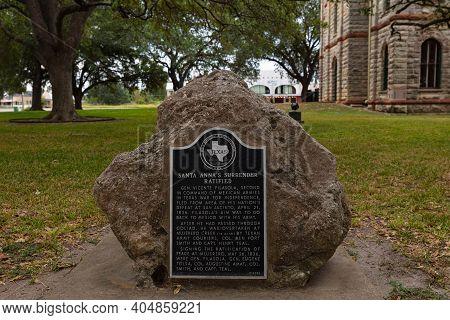 Goliad, Texas, Usa - September 3, 2020: Commemorative Plaque, Remembering Santa Anna's Surrender