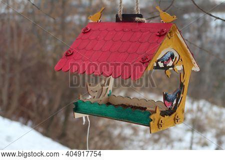 Bird Feeder With Wooden Colored Birds, Winter