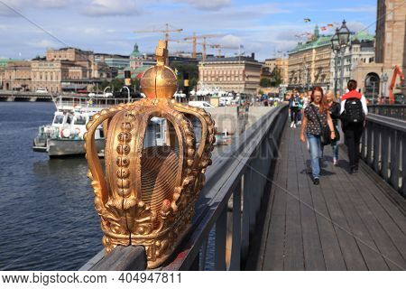 Stockholm, Sweden - August 23, 2018: People Visit Skeppsholmsbron Bridge In Stockholm, Sweden. Stock
