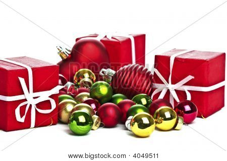 Christmas ornaments: Christmas gifts and christmas balls