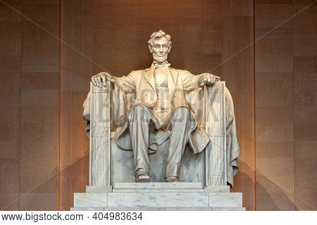 WASHINGTON, DC - APRIL 9, 2015: Lincoln Memorial in Washington DC, USA.