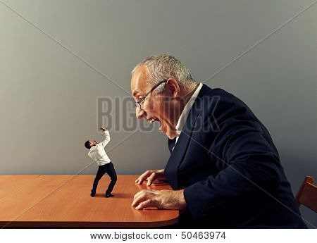 big boss is screaming at bad worker