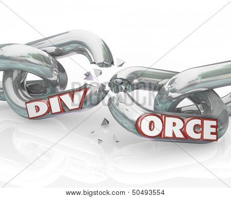 The word Divorce on breaking chain links to illustrate separation in a failed marraige between partners in a relationship