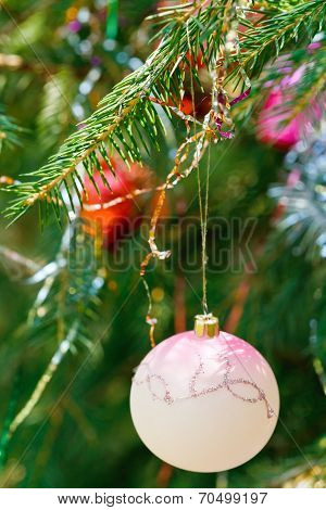 Pink Ball And Red Ball Christmas Decoration