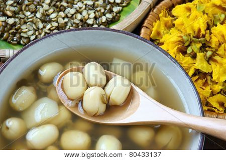 Vietnamese Food, Sweet Lotus Seed Gruel