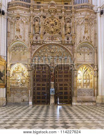 Toledo, Spain - May 19, 2014: Door And Ornaments In Cathedral Primada Santa Maria De Toledo