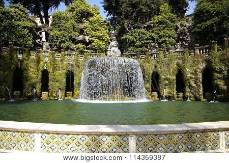 Fontana Dell'ovato, Villa D`este Fountain And Garden In Tivoli Near Roma, Italy