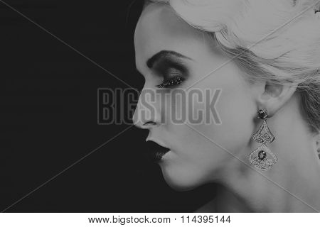 Beautiful romantic image of a girl in 20s style.
