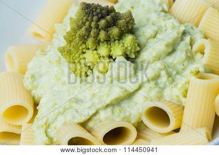 Pasta With Romanesco Broccoli Cabbage And Mozzarella.