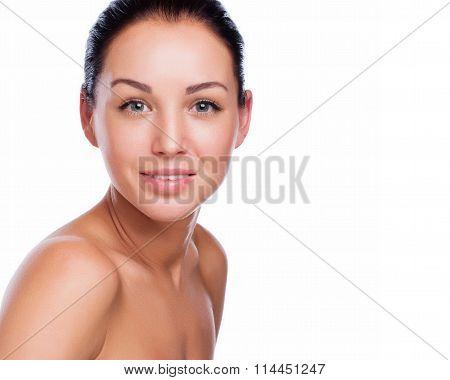 Pretty Face Of Beautiful Smiling Woman - Posing At Studio Isolat